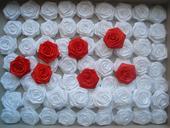 Saténové ruže 6 - 8 cm,