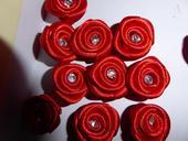 Dekoračné ružičky s diamantíkom,