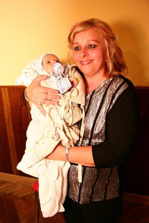 Anula{{_AND_}}Mirec Rabčanoví - náš najmladší družba môj mesačný synovček:)