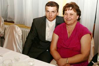 môj manžel s mojou maminou:)