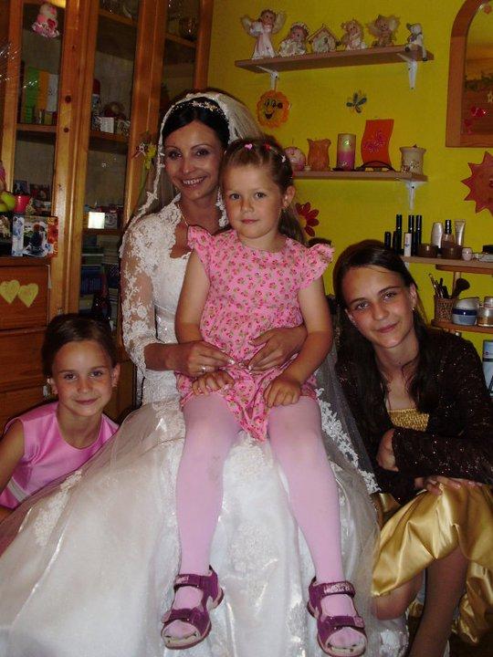Anula{{_AND_}}Mirec Rabčanoví - s mojimi sestričkami a kamarátkinou dcérou:)