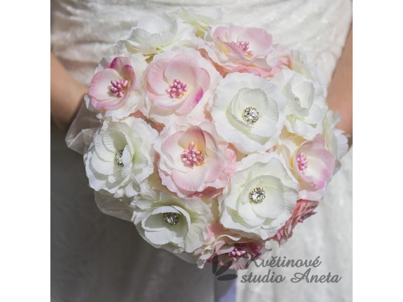 Trendy svatební kytice které vydrží! - Obrázek č. 15