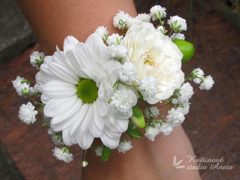 Květinové náramky pro družičky, svědkyně... - Obrázek č. 2