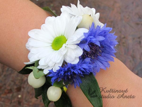 Květinové náramky pro družičky, svědkyně... - Obrázek č. 3