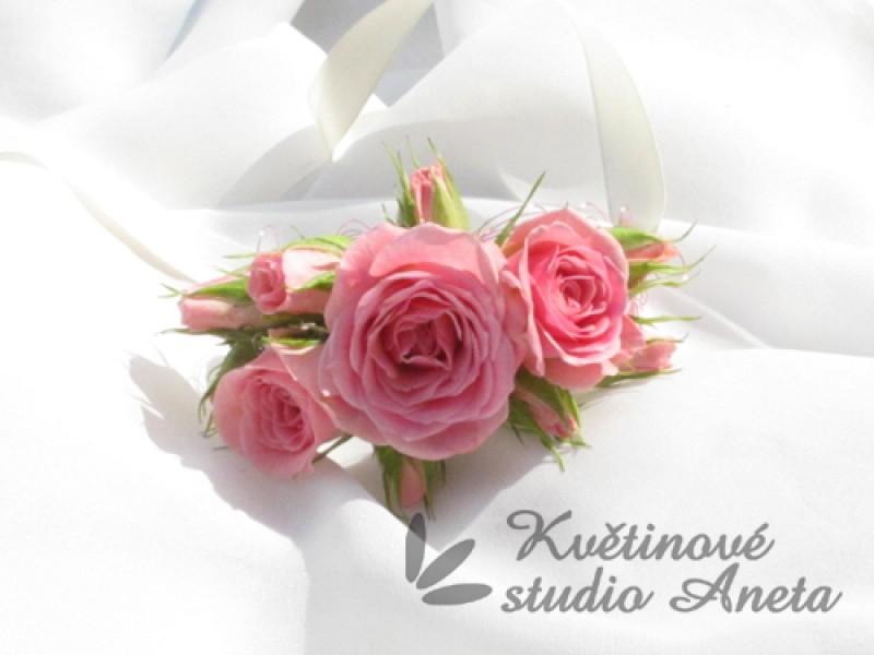 Květinové náramky pro družičky, svědkyně... - Obrázek č. 4