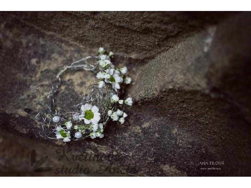Květinové náramky pro družičky, svědkyně... - Obrázek č. 7