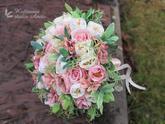 Svatební kytice z látkových květů...