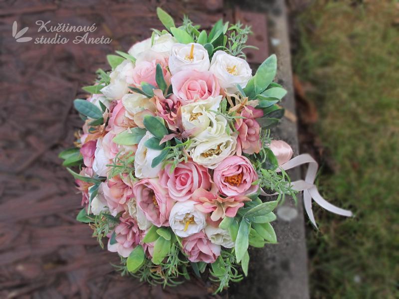 Trendy svatební kytice které vydrží! - Obrázek č. 35