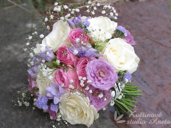 Svatební květiny v barvě fialové, lila... - Obrázek č. 29