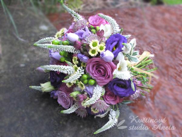 Svatební květiny v barvě fialové, lila... - Obrázek č. 30