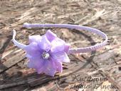 Svatební čelenka s květinou fialová,