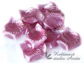 Okvětní plátky růžové metal 100ks,