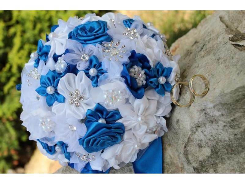 Saténová svatební kytice královsky modrá - Obrázek č. 1