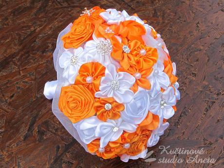 Svatební kytice saténová oranžová - Obrázek č. 1