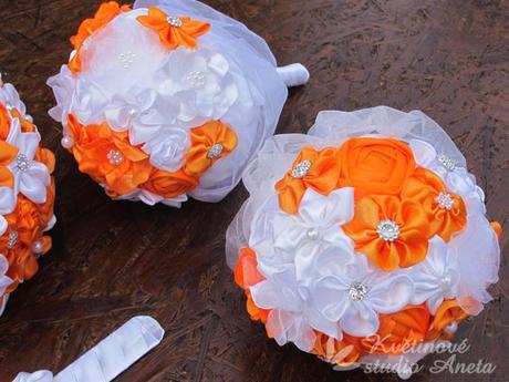 Svatební kytice saténová oranžová - Obrázek č. 4