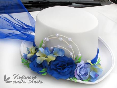 Cylindr na svatební vůz bílo modrý - Obrázek č. 1