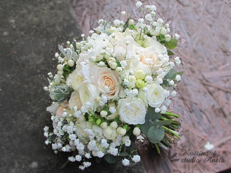 Romantická svatební kytice Creamy - Obrázek č. 1