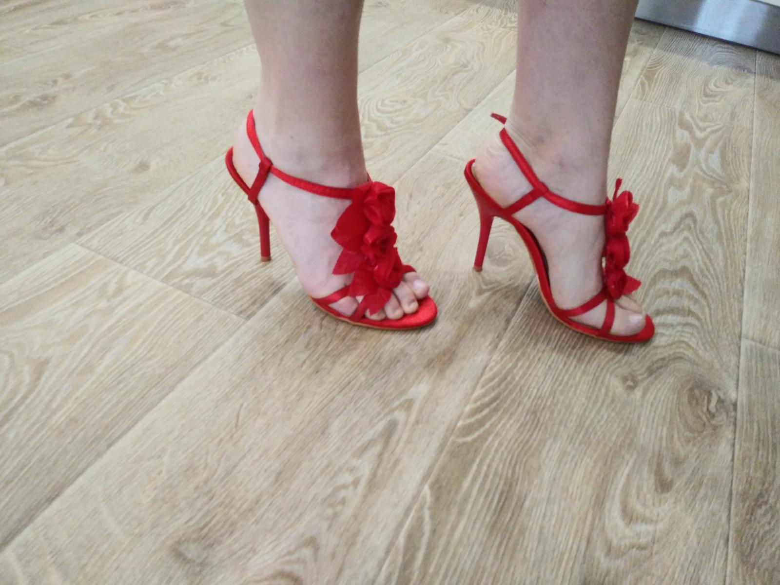 cervene sandalky - Obrázok č. 4