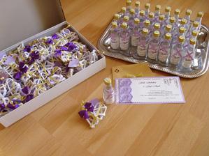 Srdiečka ako poďakovanie, fľaštičky a naše pozvánky ( všetko robené svojpomocne :D )