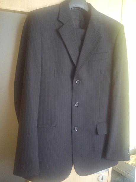 Pansky cierny oblek s jemnymi pasikmi 176/96 - Obrázok č. 1