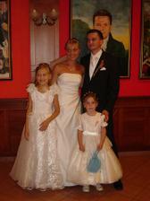 naše zlaté družičky neterka Vaneska a Barborka