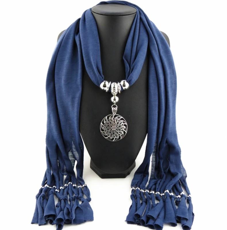 Šátek s ozodobou - Obrázek č. 1