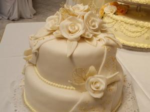 naša krásna tortička od mojej naj kamošky Janky, ktorá bola svedkyňa