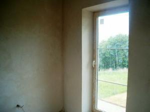v některých místnostech hotové už i štuky :-)