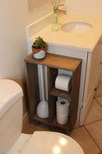 Pri tejto fotke ma napadlo, že musím vymyslieť nejaký pekný zásobník na toaletný papier