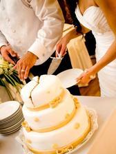 krájanie hlavnej torty