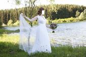 Minimalistické svatební šaty z Tel Avivu, 42