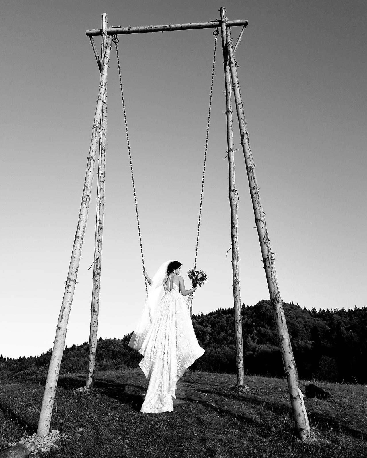 Naše svadobné foto :) zatial len tak z mobilu :D - Obrázok č. 1