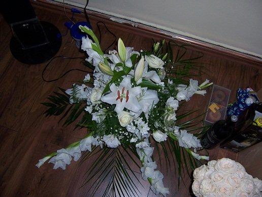 My- nase predstavy a skutocnost:) - moje kvety na auto...