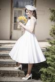 Elegantné a kvalitné šaty pre modernú nevestu, 36