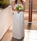 Jednoduché svatební šaty s krajkou, 36