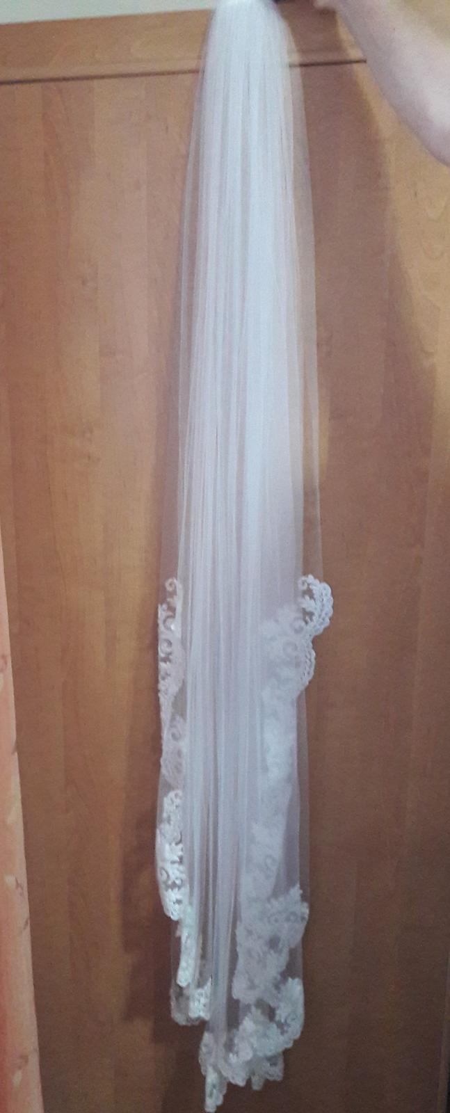 Svadobný závoj ivory so španielskou čipkou - Obrázok č. 2