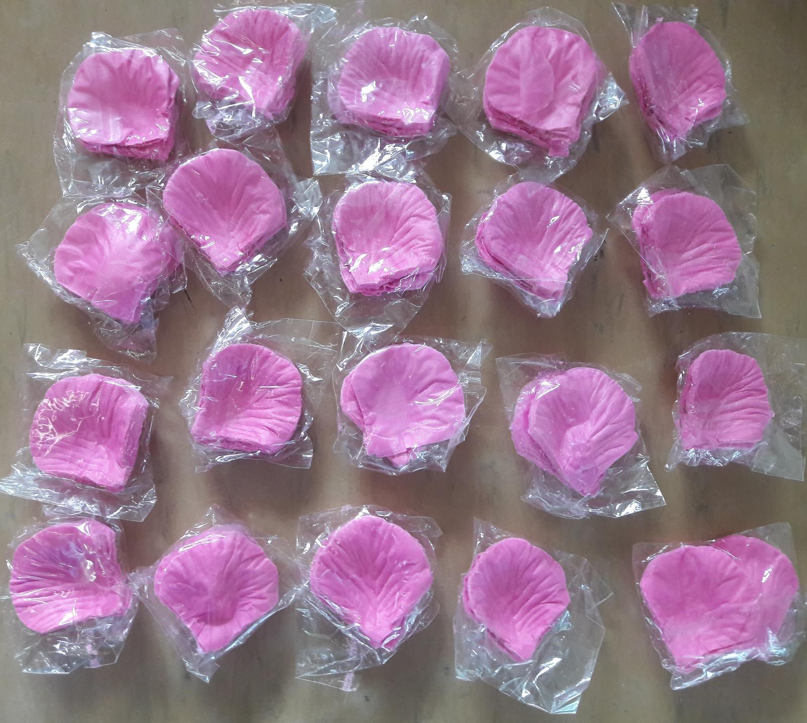 Svadobné lupienky svetlo ružové - Obrázok č. 1