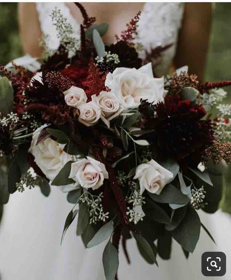 Prípravy :) 19.9.2020 - Kvety vo váze aj svadobná v takomto štýle. Bordová,biela, zelená.