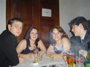 Myslivecký bál 2005. Já a Dáda vpravo, vlevo sestra se švagrem.