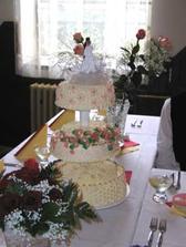 A takový měli dortík, byl výborný. Chceme něco podobného.