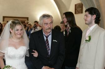 a tady mě měl taťka předat, ale přešel ženicha ;o)