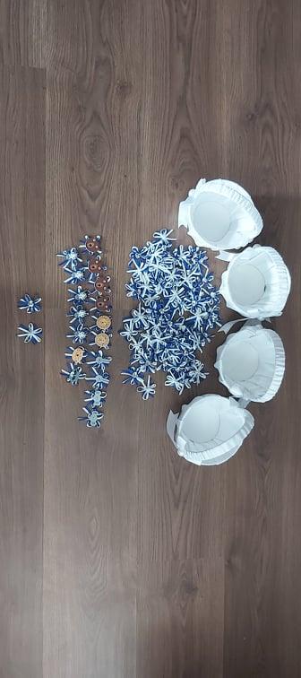 svadobné pierka - modro biele - Obrázok č. 1