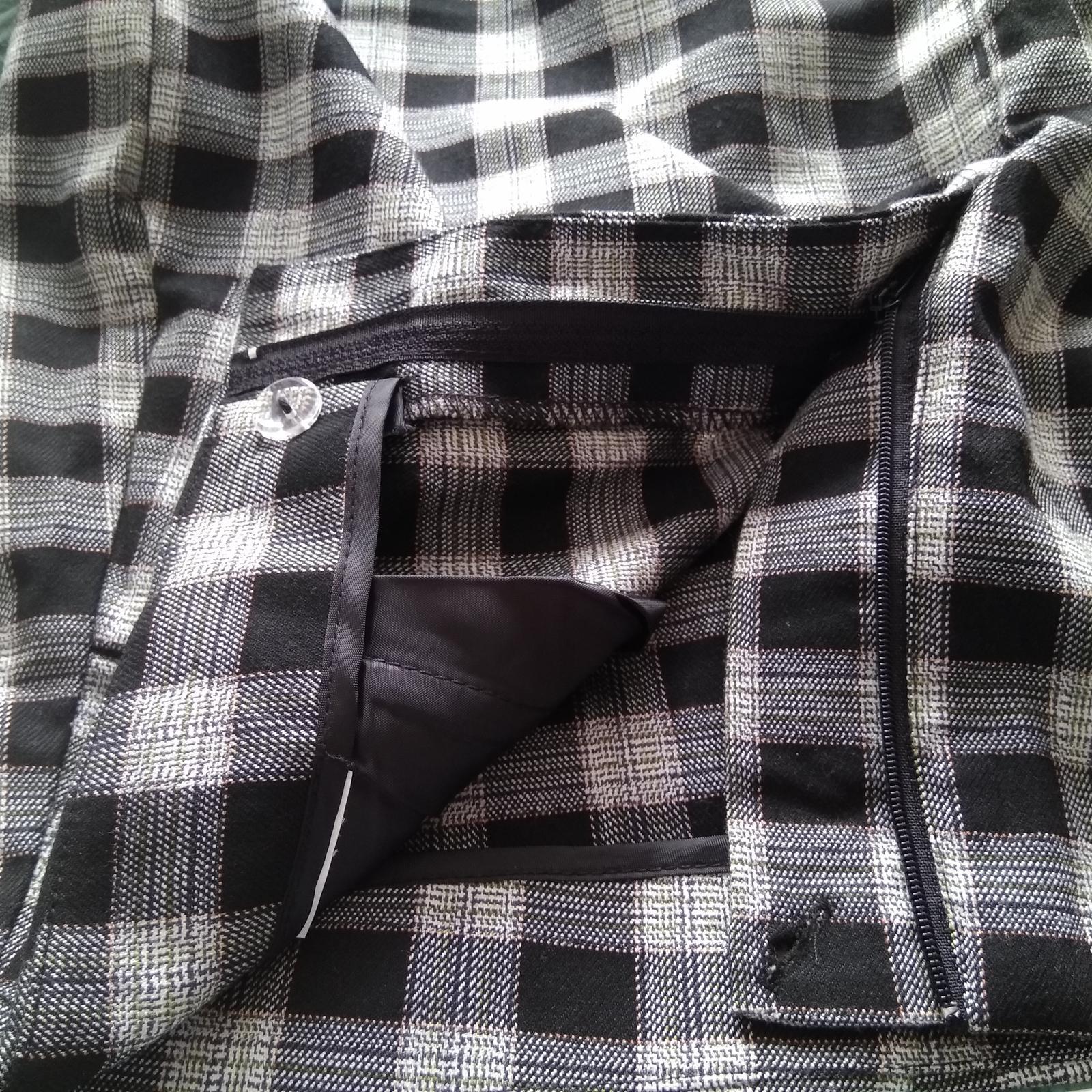 Krátka úzka sukňa - Obrázok č. 2