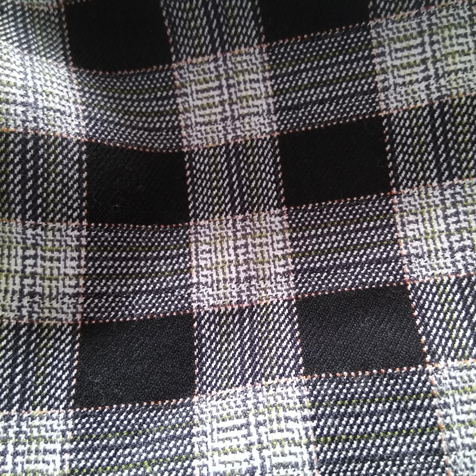 Krátka úzka sukňa - Obrázok č. 3