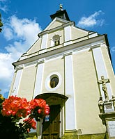 Kostel Panny Marie Sněžné na Provodově. Tady bude 2. září 2006 náš den D, ve 12:00 hodina H ...