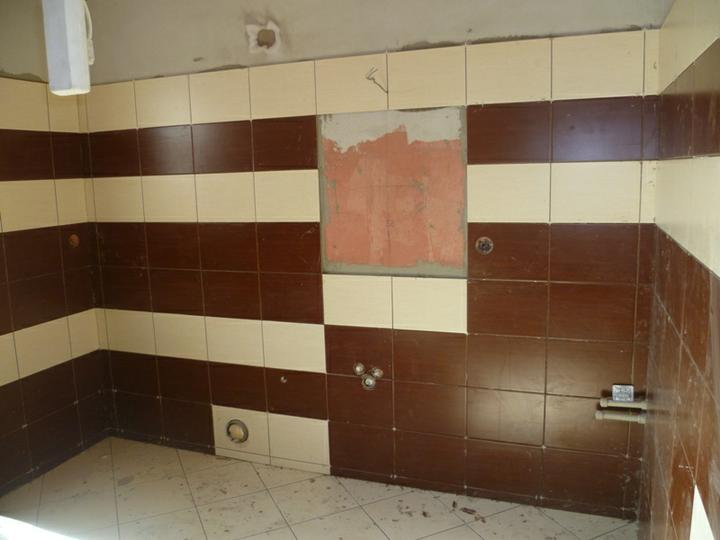 Energeticky pasívna drevostavba svojpomocou - Kúpeľňa v prízemí.
