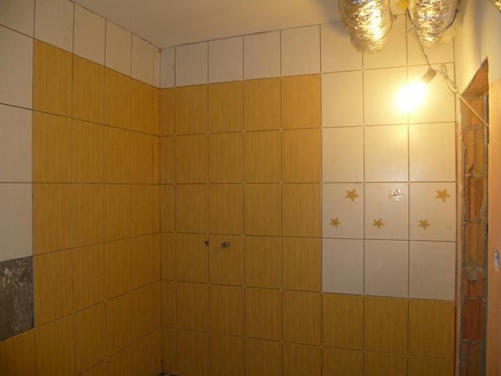 Energeticky pasívna drevostavba svojpomocou - Kúpeľňa v podkroví - v ľavom rohu bude sprchový kút.