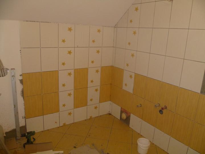 Energeticky pasívna drevostavba svojpomocou - Kúpeľňa v podkroví.