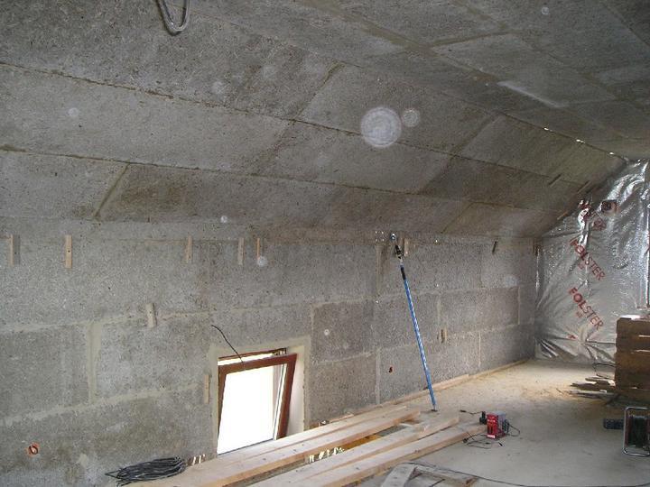 Energeticky pasívna drevostavba svojpomocou - Aj v podkroví.