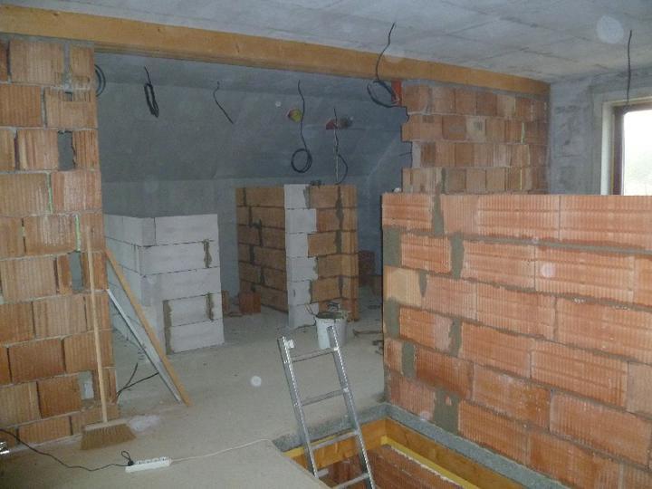 Energeticky pasívna drevostavba svojpomocou - Priečky v podkroví: ľahké i ťažké.